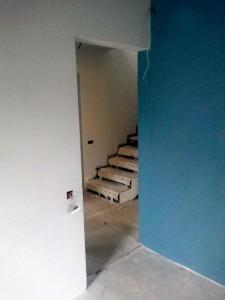 gol usa dormitor albastru fara spalet pe partea cu balamalele